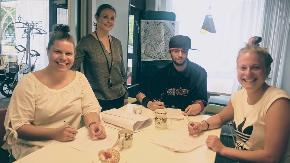 Villa Mikael - sopimuksen allekirjoitus 1